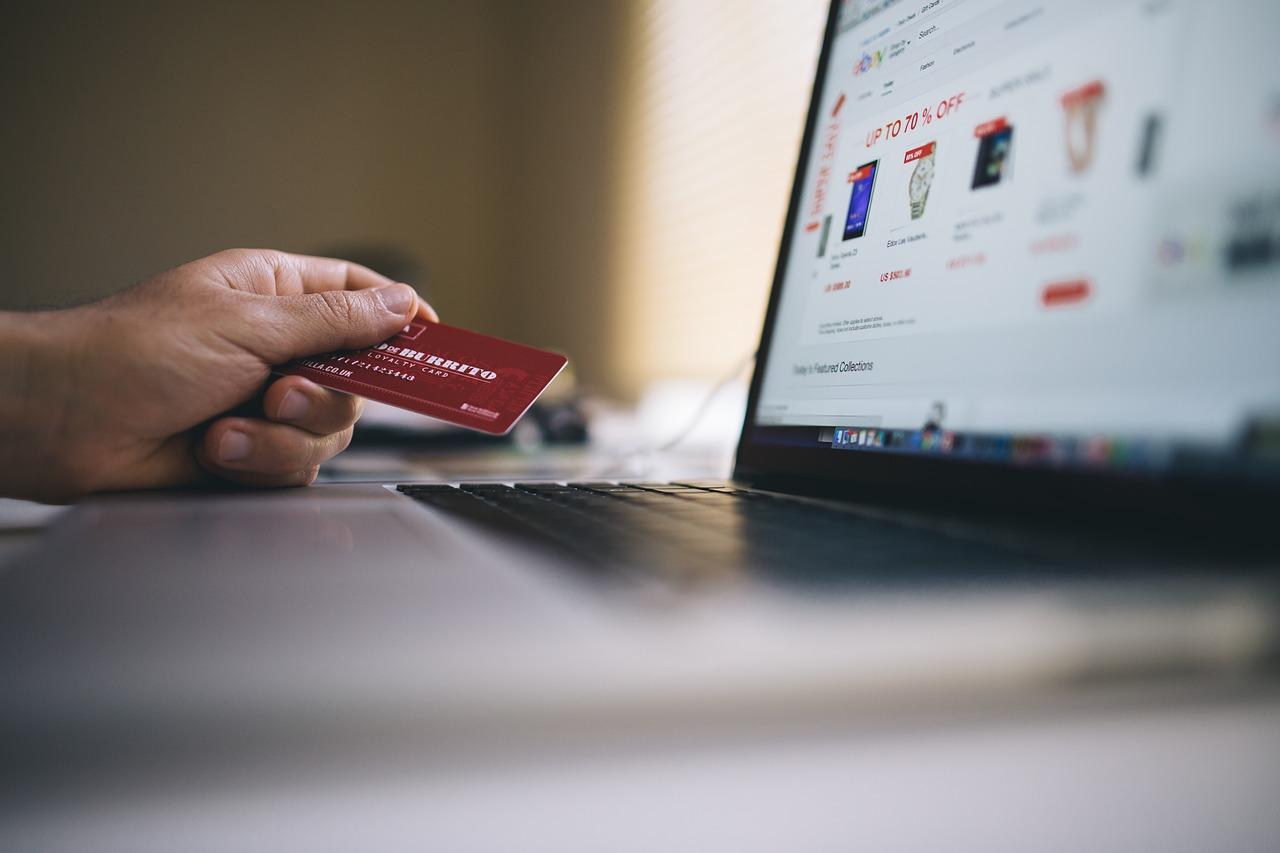 Comunicazione e-commerce del 31 ottobre 1
